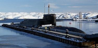 Det er Russlands atomubåter med base nær Murmansk som er med på å gjøre Arktis strategisk viktig for Russland. Dette preger også det bilaterale forholdet med Norge, som nærmeste nabo
