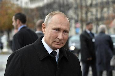 Russlands president, Vladimir Putin, var i kontakt med Lukasjenka på søndag. Kreml hevder at Hviterussland er utsatt for et