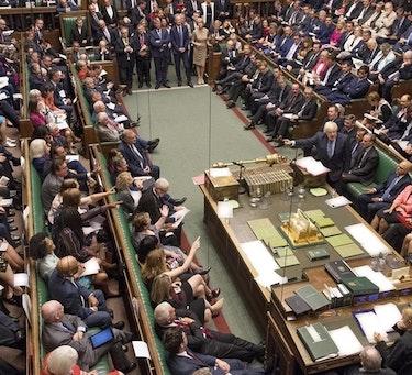 Parlamentet har fått sin sesjon suspendert frem til 14. oktober. Her fra nok en høylytt ordveksling i Underhuset