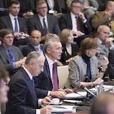 Generalsekretær Jens Stoltenberg taler under utenriksministermøtet i NATO