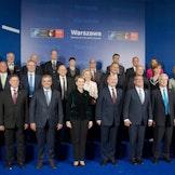 Forsvarsministrene under NATO-toppmøtet i Warsawa juli 2016