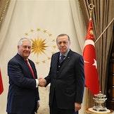 USAs utenriksminister Tillerson og Tyrkias president Erdogan under et møte i mars 2017. Foto:  US Department of State