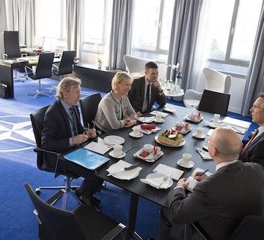 Bilateralt møte mellom NATOs generalsekretær Jens Stoltenberg og Sverige utenriksminister Margot Wallström