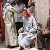 Syrisk lokalbefolkning i Ar-Raqqah, et område lenge styrt av IS (Foto: Christian Iohan Stefanescu, Flickr CC BY).